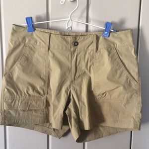 Columbia Ladies Active Wear Shorts Size 10